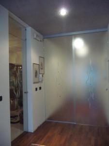 porta vetro scorrevole con fisso satinato temperato